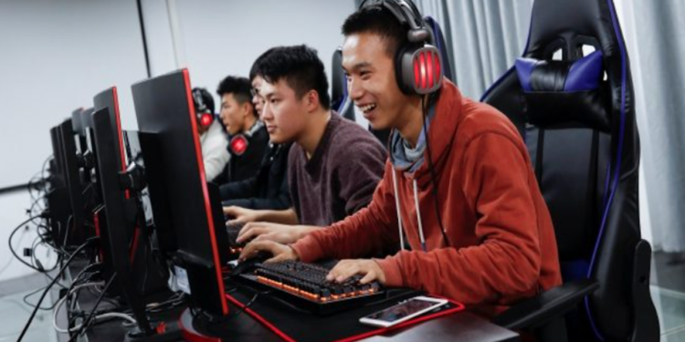Top-5 Effective Procedure to Enjoy Football Gaming From All Over the World